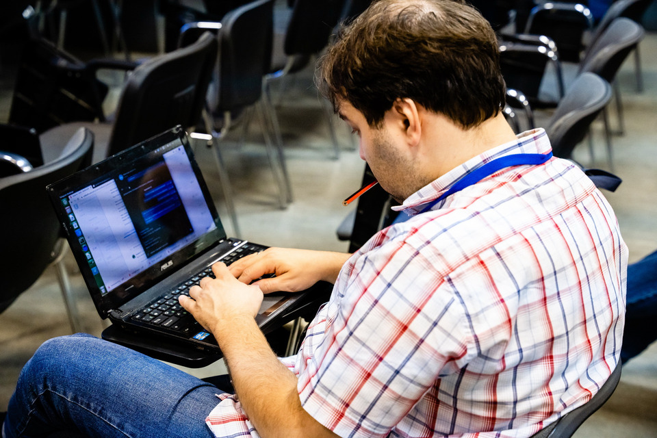 http://www.graphicon.ru/sites/default/files/imagecache/Full/g2020-REE07511.jpg